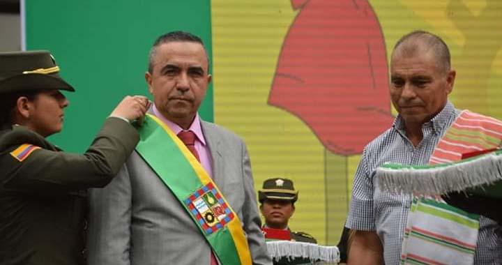 El líder campesino del municipio de Dosquebradas-Risaralda, José Educardo  Morales Clavijo, fue invitado por el Alcalde Diego Ramos Castaño, a  imponerle la banda municipal | Periódico Palabras Mayores